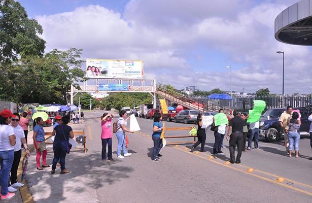 Manifestaciones y bloqueos desquician Villahermosa