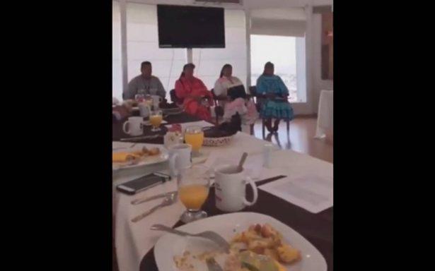 [Video] Diputados desayunan frente a rarámuris y ¡no los invitan!