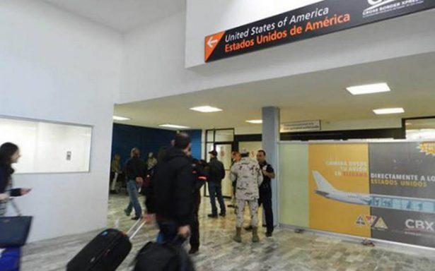 Desesperados, pasajeros exigen vuelos tras retrasos en aeropuerto de Tijuana