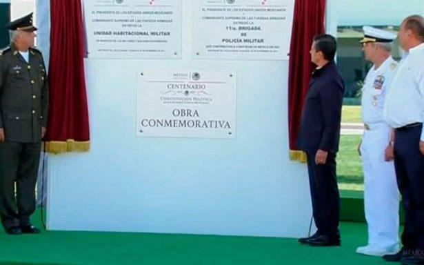 Peña Nieto inaugura cuartel de la Policía Militar y unidad habitacional en Coahuila