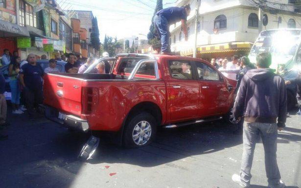 Liberan a conductor que embistió a padres en Álvaro Obregón