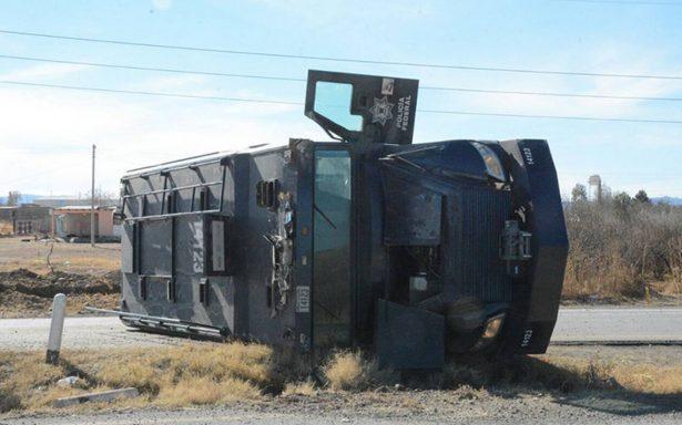 Camión vuelca con federales en trayecto a Ciudad Juárez