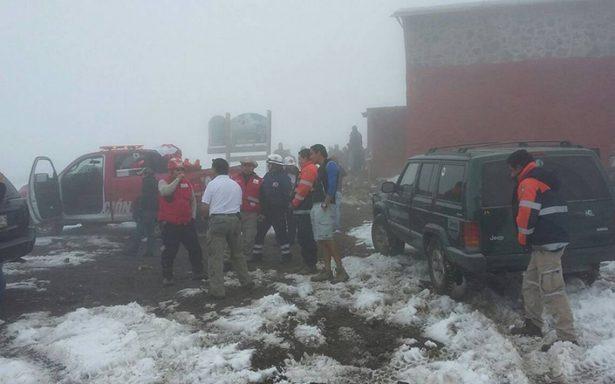 Rescatan el cuerpo de alpinista estadounidense quien perdió la vida en el Pico de Orizaba
