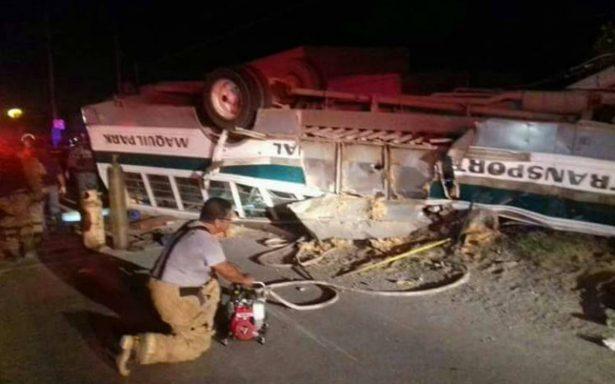 Volcadura de camión en la Río Bravo-Reynosa deja siete muertos