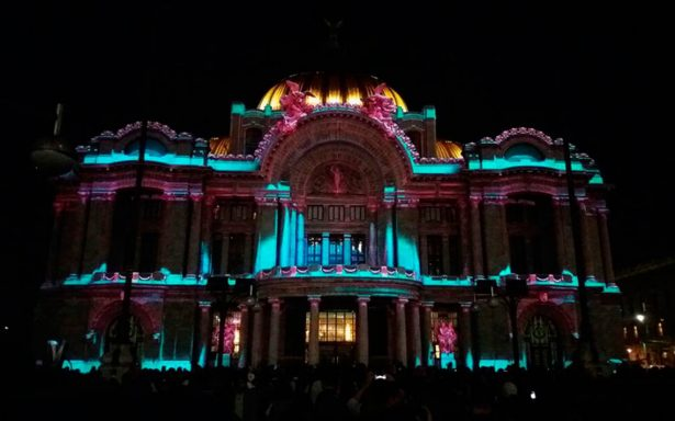 Así se ilumina la capital de colores durante el Festival de las Luces