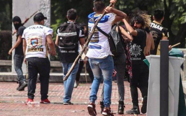 Porro implicado en agresión en CU visita CCH Azcapotzalco y le hallan un arma blanca