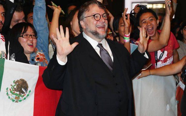 """Guillermo del Toro donará a damnificados función de """"The shape of water"""""""