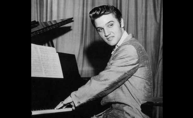 Celebran aniversario luctuoso de Elvis Presley subastando su piano favorito