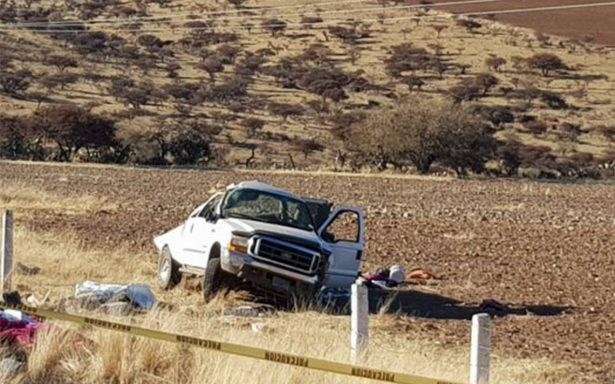 Fatal volcadura deja cinco personas muertas y cuatro heridos en Zacatecas