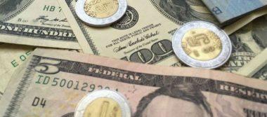 Dólar sigue a la baja, se vende hasta en 18.01 pesos en bancos capitalinos
