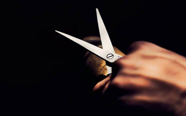 """Mujer mutila genitales de su """"amante"""" con unas tijeras de podar"""