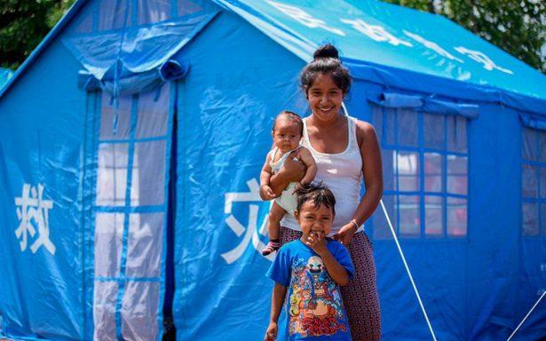 Reubican a 66 familias de Jojutla en casas de campaña donadas por China