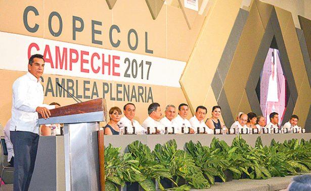 Inauguran en Campeche asamblea de congresos locales