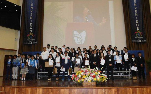 Ganan indígenas premio en ciencia y tecnología