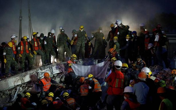 EPN delinea tres etapas de apoyo y reconstrucción tras terremoto