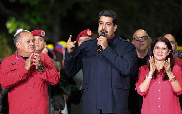 """Venezuela acusa a la UE de """"cuestionar la voluntad"""" de su pueblo; oposición denuncia trampas"""