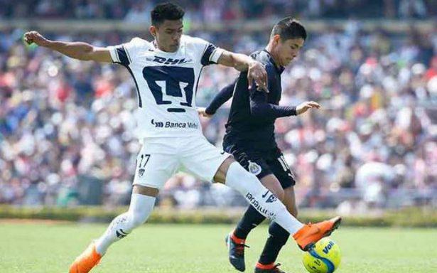 Alanís perdona y Chivas deja ir la victoria ante Pumas