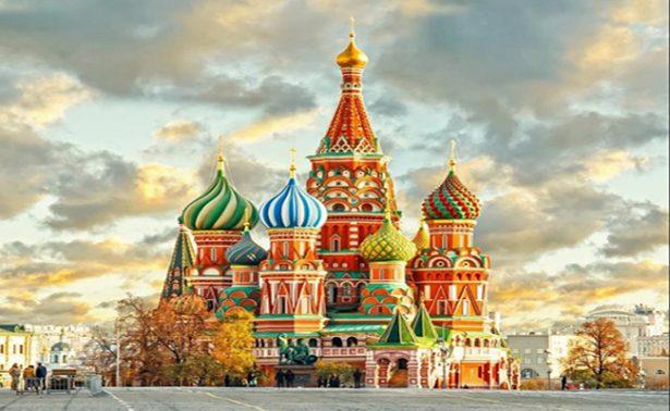 Abren becas a estudiantes mexicanos para viajar a Rusia