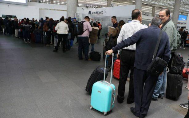 Diez mil usuarios afectados por protesta de pilotos de Aeroméxico