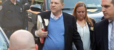 Harvey Weinstein queda en libertad tras pagar fianza de 1 mdd; estará bajo vigilancia