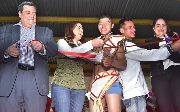 El WBC inauguró gimnasio