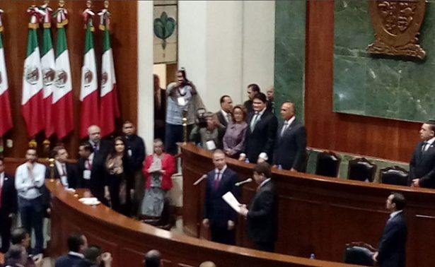Quirino Ordaz asume gubernatura de Sinaloa