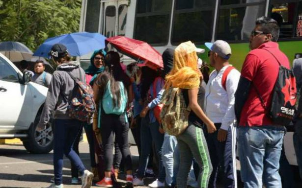 Normalistas destrozan oficinas del IEPPO