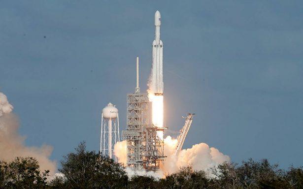 [Video] SpaceX lo logra: despega exitosamente el Falcon Heavy, el cohete más potente del mundo