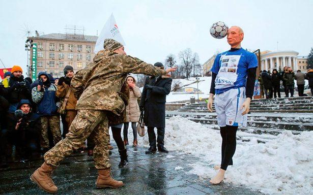 A dos meses de elecciones, Vladimir Putin firma victoria por adelantado