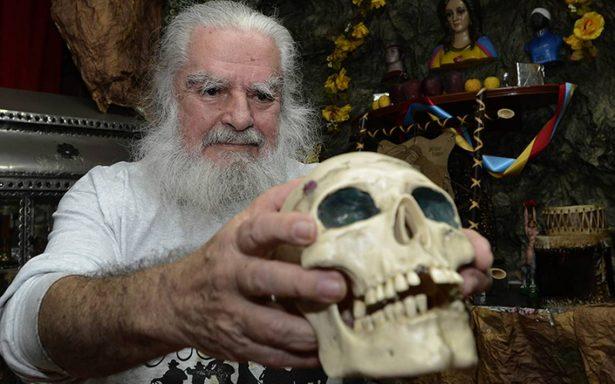 El Brujo Mayor y sus predicciones sobre los famosos: a Shakira y José José ¡los están embrujando!