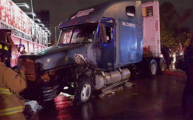 Persecución ocasiona accidente automovilístico en Circuito Interior