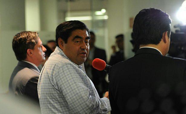 Barbosa anuncia que se afiliará a Morena en Puebla