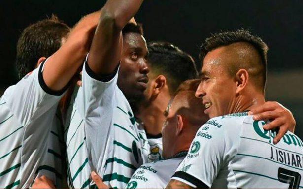 Santos le pega al Cruz Azul y empata al América en la cima del Clausura
