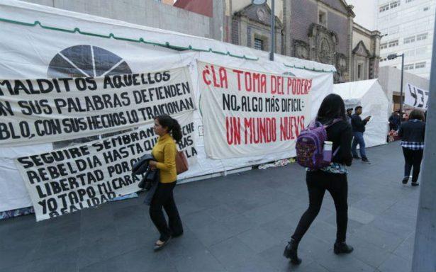 Normalistas de Ayotzinapa instalan otro plantón en la CDMX