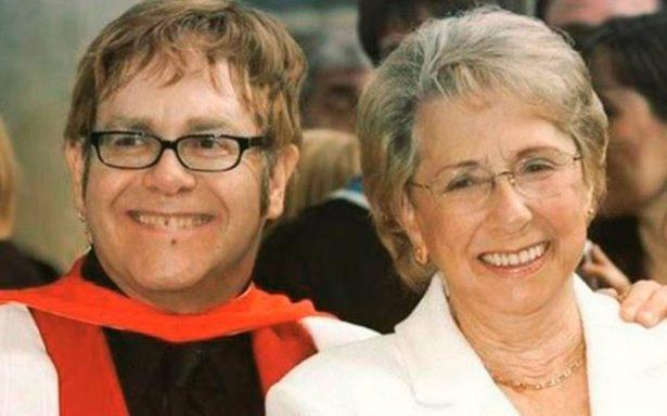 Elton John, conmocionado por muerte de su madre; acababan de reconciliarse