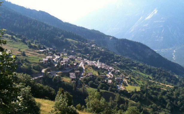 ¿Vivirías en una villa suiza por más de medio millón de pesos?
