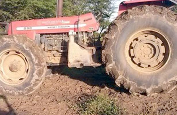 Campesino cayó de tractor