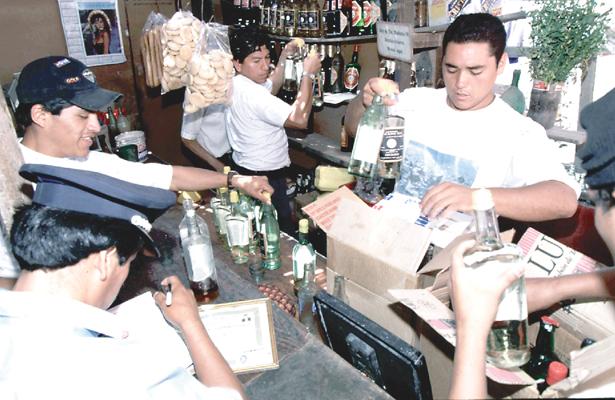 Vigilan bebidas alcohólicas