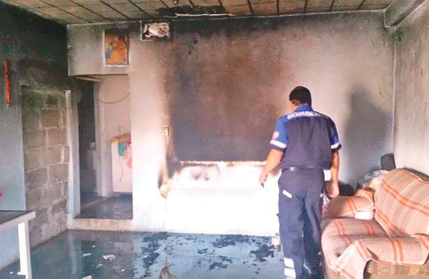 Voraz incendio en casa