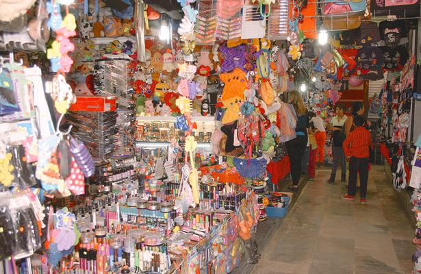 Bajísimas ventas para comerciantes del  tradicional tianguis de Tula