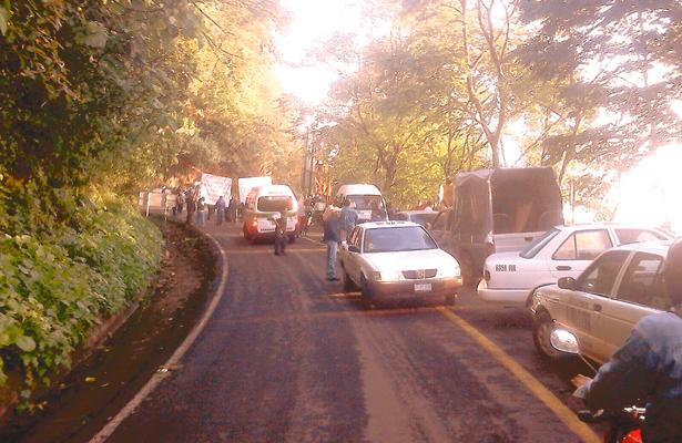 Bloquean carretera México-Tampico