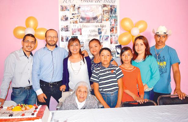 Centenaria de numerosa familia