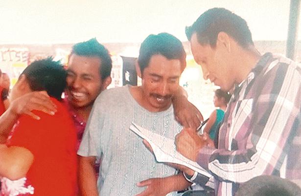 Jornaleros agrícolas migrantes estudian educación básica