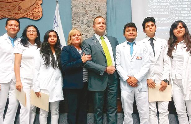 Primera generación de alumnos de Medicina irá a Ciudad del Conocimiento