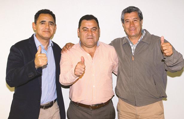ÁNGEL Castañeda, Efrén Meza y Orlando Segura invitan a la afición para sumarse al festejo. Foto: Sol de Hidalgo.