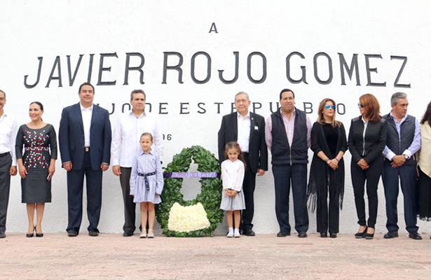 Conmemoraron natalicio de Javier Rojo Gómez