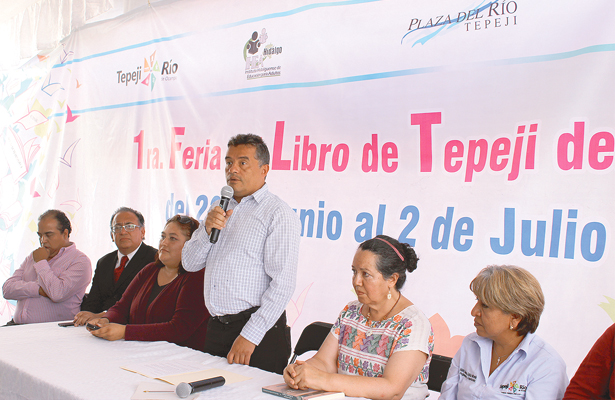 Se lleva a cabo Primera Feria del Libro en Tepeji