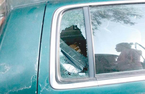 """Policías municipales de Tepeji toman conocimiento de atrevido """"cristalazo"""""""