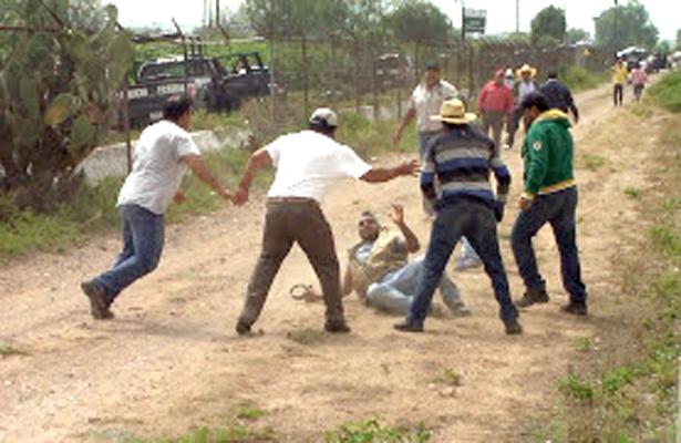 POLICÍAS sin intervenir. Foto: El Sol de Hidalgo.