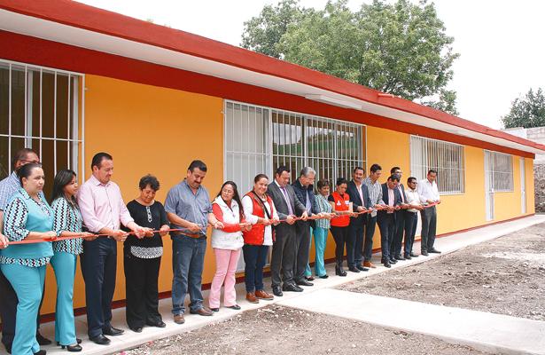 Primaria de Metzquititlán con cuatro aulas nuevas